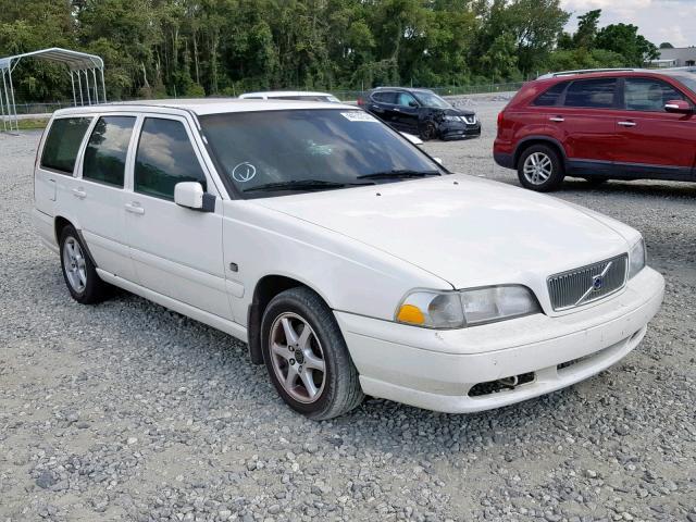 Salvage 2000 Volvo V70 BASE for sale