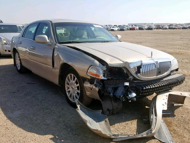 click here to view 2005 LINCOLN TOWN CAR S at IBIDSAFELY