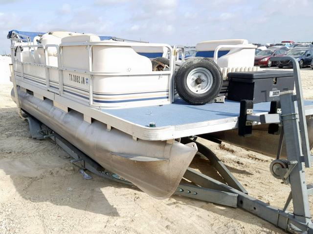 Salvage 2001 Part BOAT for sale