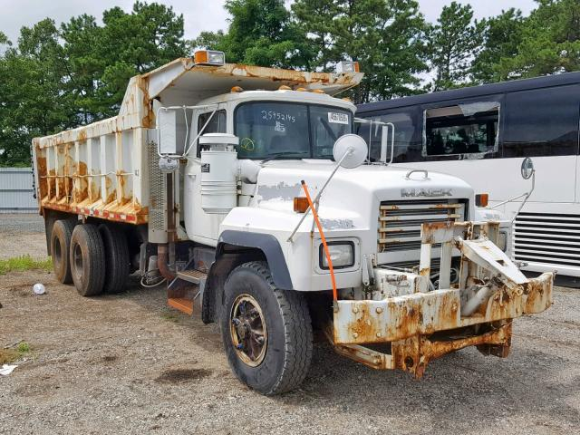 click here to view 2001 MACK 600 RD600 at IBIDSAFELY