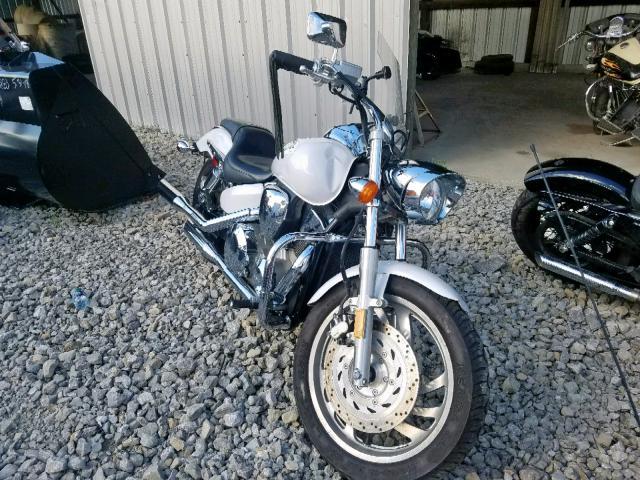 Salvage 2007 Honda VTX1300 C for sale