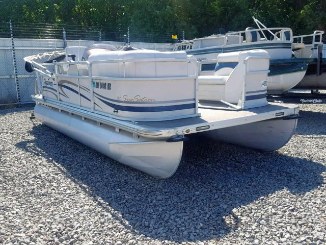 Salvage 2007 Premier BOAT for sale