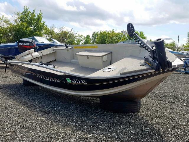 click here to view 2004 SYLV BOAT at IBIDSAFELY