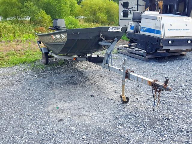 click here to view 1995 SMOK BOAT at IBIDSAFELY