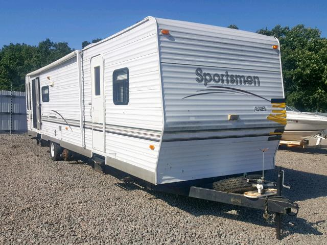 click here to view 2002 SPRE CAMPER at IBIDSAFELY