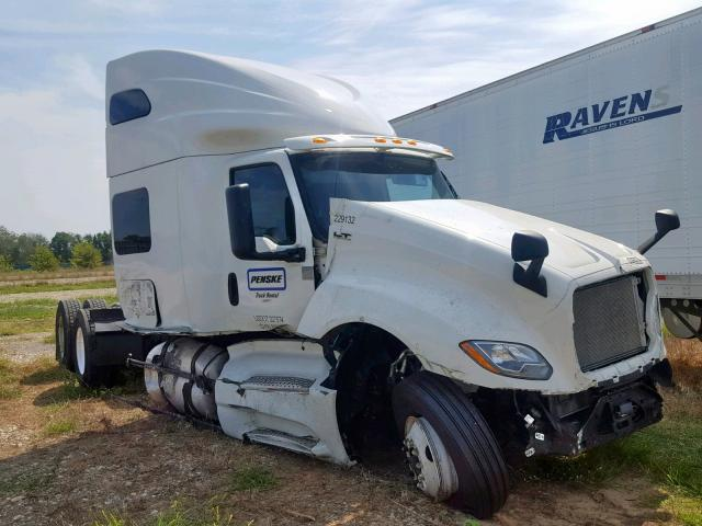 click here to view 2019 INTERNATIONAL LT625 at IBIDSAFELY
