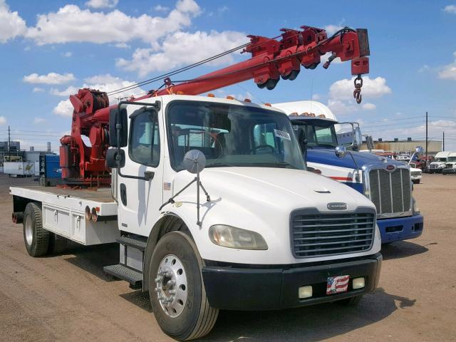 click here to view 2004 FREIGHTLINER M2 106 MED at IBIDSAFELY