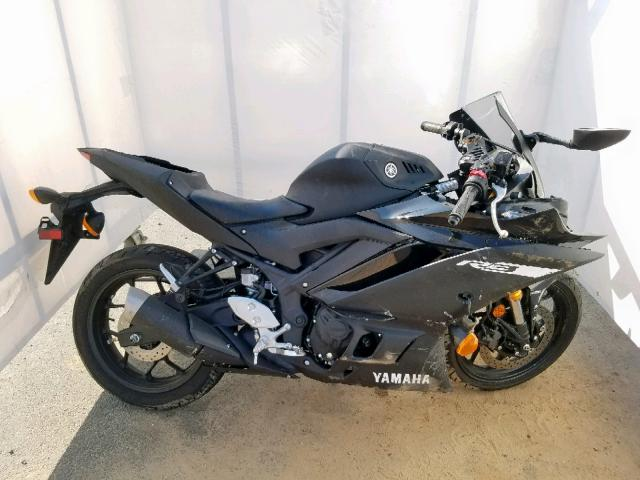 click here to view 2019 YAMAHA YZFR3 A at IBIDSAFELY