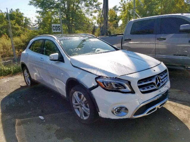 click here to view 2019 MERCEDES-BENZ GLA 250 4M at IBIDSAFELY