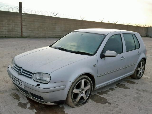 VOLKSWAGEN GOLF V6 4M - 2002 rok