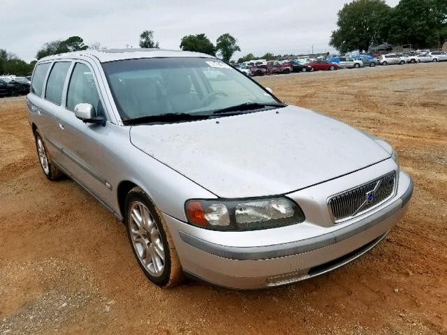 click here to view 2004 VOLVO V70 FWD at IBIDSAFELY