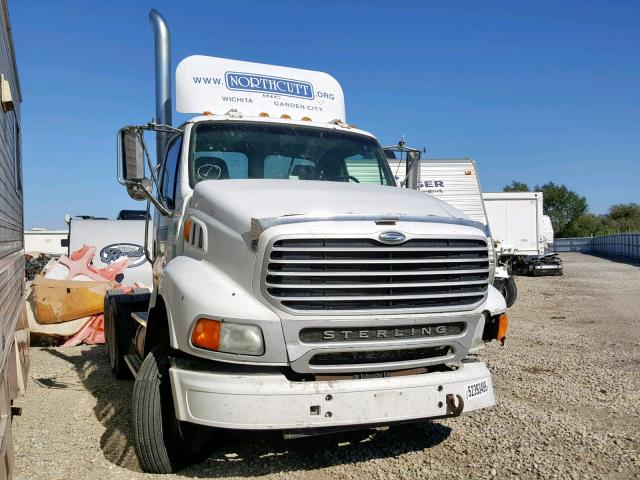 click here to view 2001 STERLING TRUCK AT 9500 at IBIDSAFELY