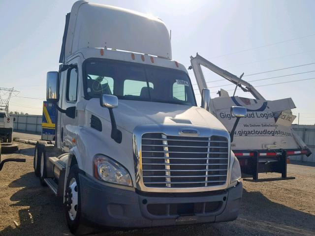 Salvage 2011 Freightliner CASCADIA 1 for sale