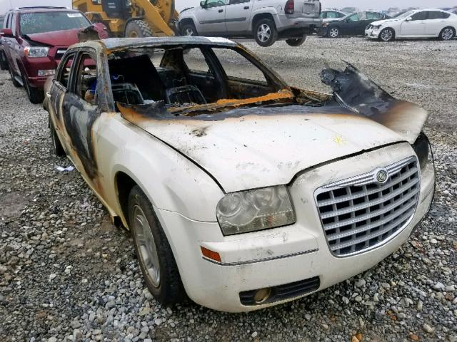 Salvage cars for sale from Copart Memphis, TN: 2006 Chrysler 300 Touring
