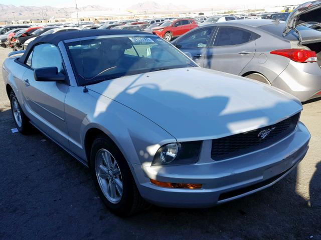 1ZVFT84N165235134-2006-ford-mustang-0