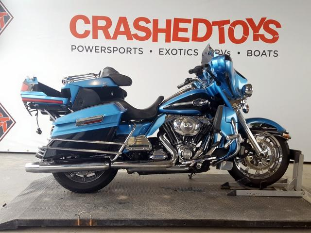 Salvage 2011 Harley-Davidson FLHTCU for sale