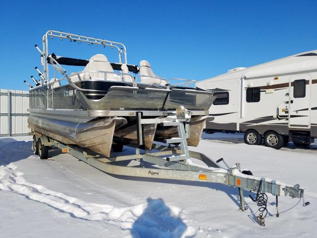 Salvage 2015 Apex BOAT for sale