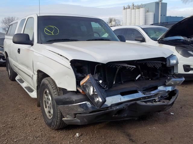 Salvage trucks for sale at Chicago Heights, IL auction: 2003 Chevrolet Silverado