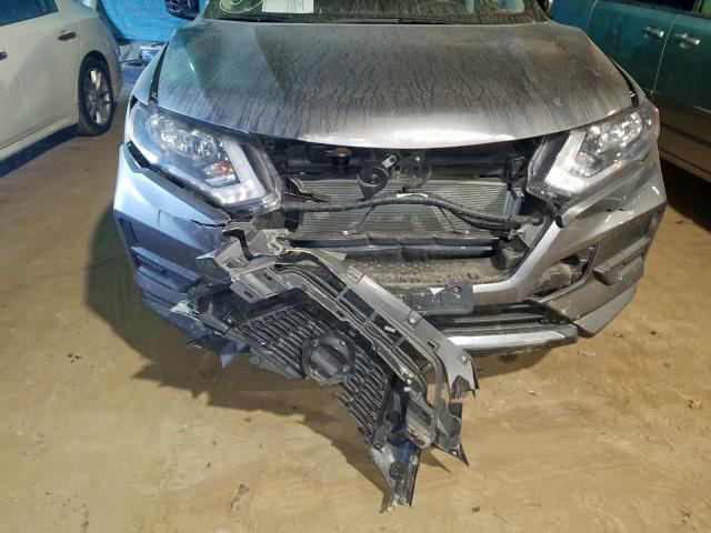 2017 Nissan ROGUE   Vin: KNMAT2MV3HP555153