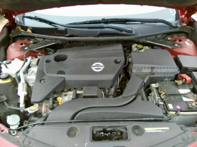 2013 Nissan    Vin: 1N4AL3AP2DN568371