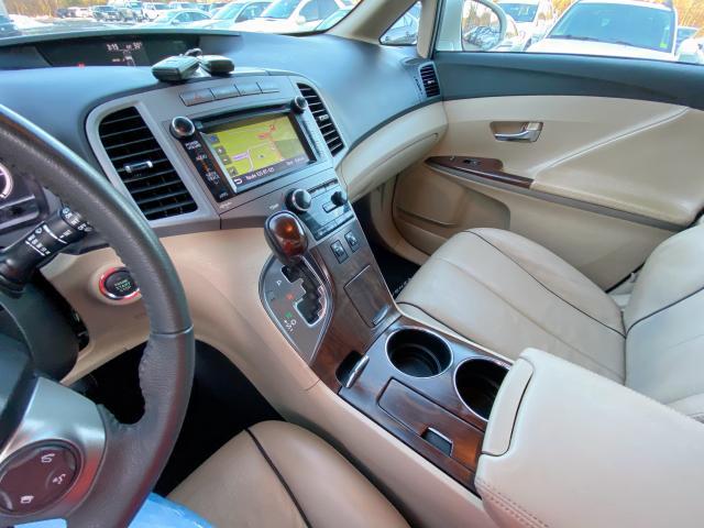 4T3BA3BB5DU037164 - 2013 Toyota Venza Le 2.7L front view