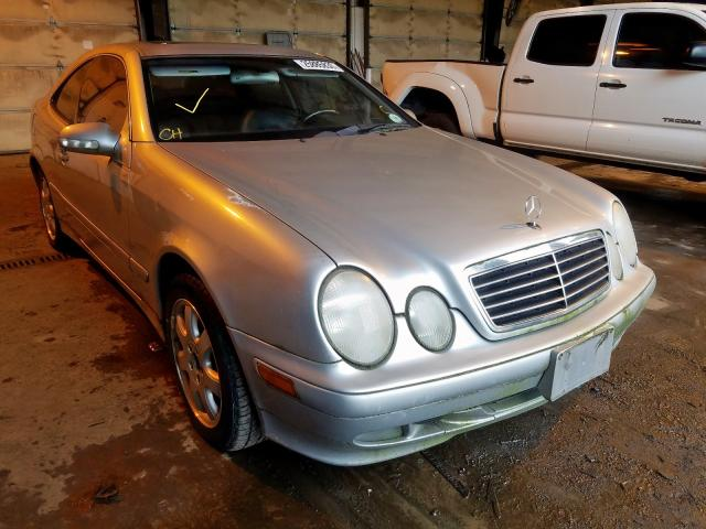Salvage cars for sale from Copart Graham, WA: 2002 Mercedes-Benz CLK 320