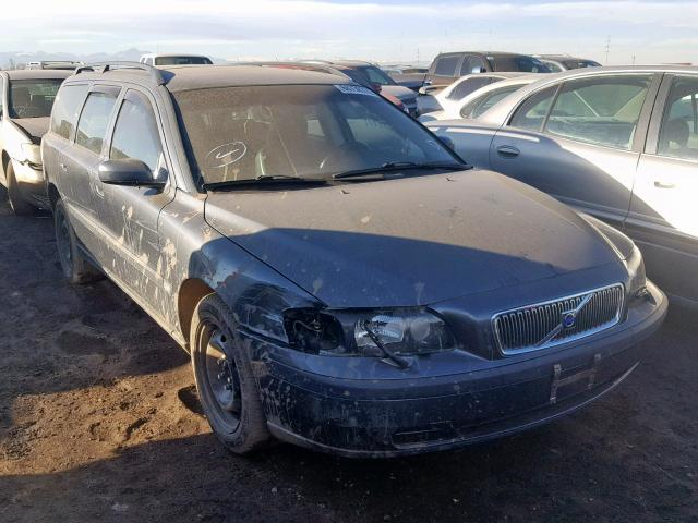 Salvage 2004 Volvo V70 for sale