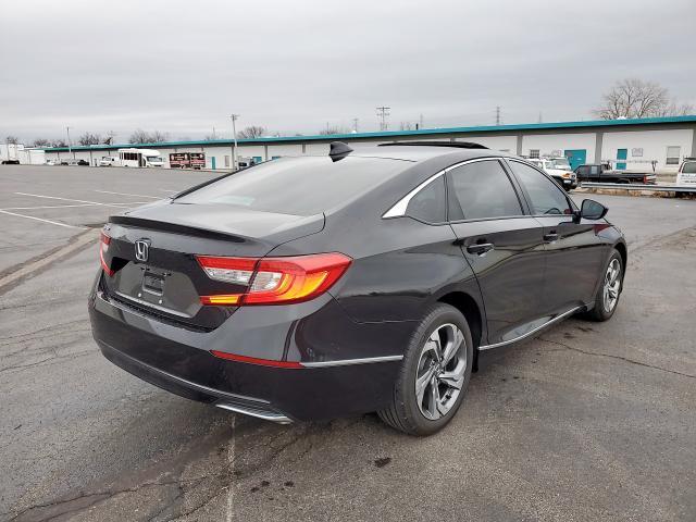 1HGCV1F46JA076138 - 2018 Honda Accord Ex 1.5L rear view