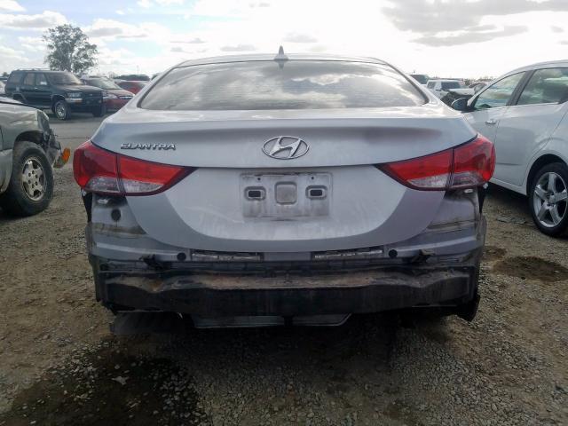 2013 Hyundai  | Vin: KMHDH4AE0DU565225
