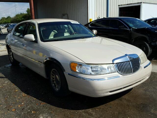 1LNHM83WX1Y626000 - 2001 LINCOLN TOWN CAR C