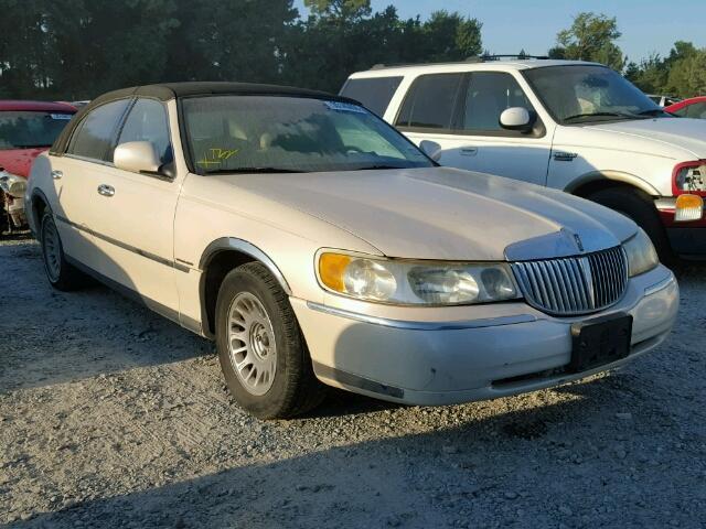 1LNFM83W6WY698388 - 1998 LINCOLN TOWN CAR C