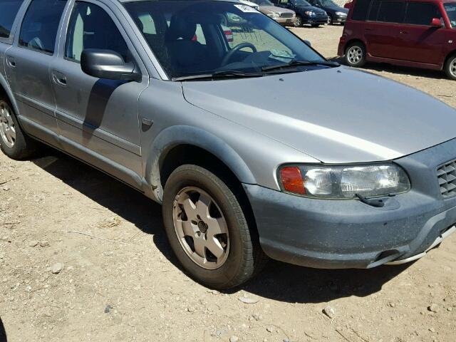 YV1SZ58D821057413 - 2002 VOLVO V70 AWD CR