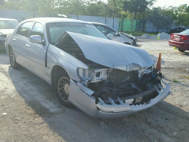 1LNHM82WX1Y706835 - 2001 LINCOLN TOWN CAR S