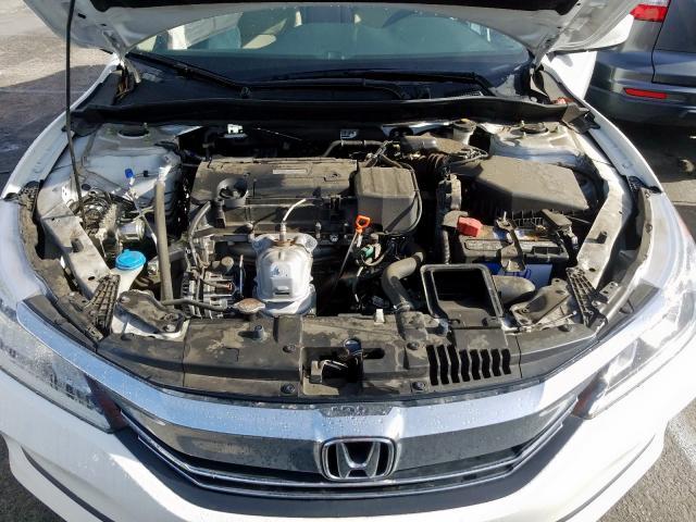 2017 Honda  | Vin: 1HGCR2F31HA094039
