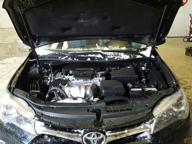 4T1BF1FK6GU520465 - 2016 Toyota Camry Le 2.5L inside view