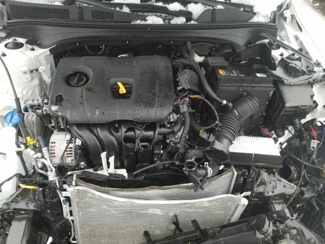 3KPF24AD7LE185110 - 2020 Kia Forte Fe 2.0L inside view