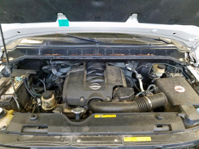 1N6AA07B24N559029 - 2004 Nissan Titan Xe 5.6L inside view