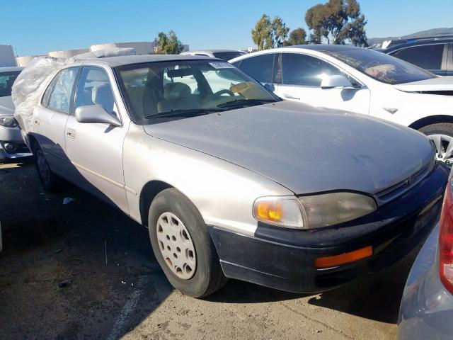 1996 TOYOTA CAMRY DX - Other View