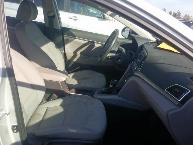 2017 Hyundai ELANTRA   Vin: KMHD74LFXHU126418