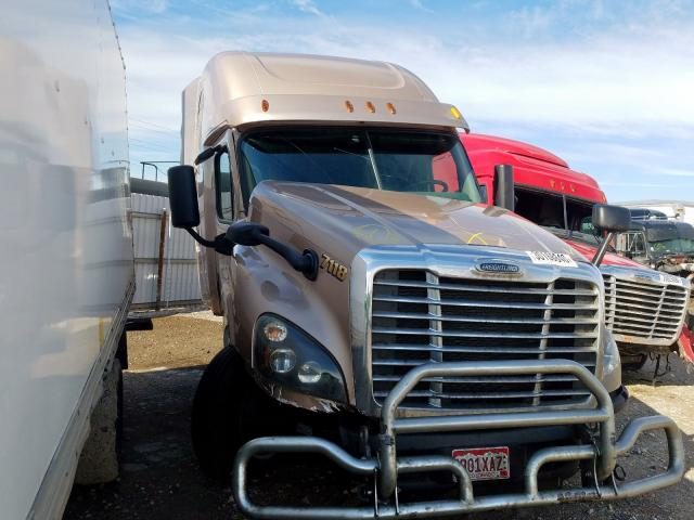 Salvage cars for sale from Copart Magna, UT: 2014 Freightliner Cascadia 1