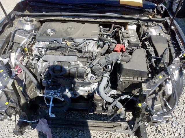 2018 Toyota CAMRY   Vin: 4T1B11HK4JU588153
