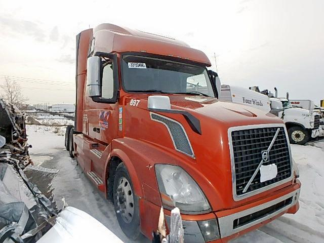 Salvage cars for sale from Copart Montreal Est, QC: 2014 Volvo VN VNL