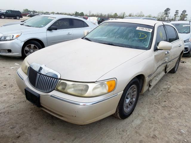 1999 LINCOLN TOWN CAR C - Left Front View