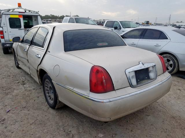 1999 LINCOLN TOWN CAR C - Right Front View