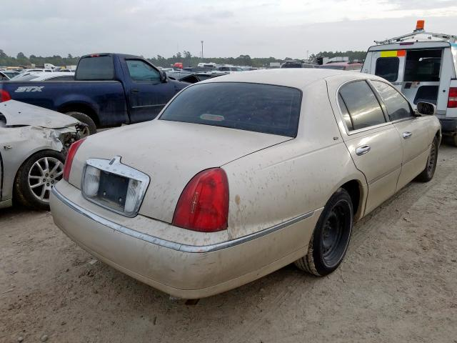 1999 LINCOLN TOWN CAR C - Right Rear View