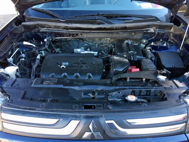 JA4AZ3A33EZ010863 - 2014 Mitsubishi Outlander 2.4L inside view