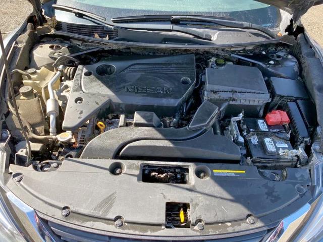 2017 Nissan Altima 2.5 2.5L inside view
