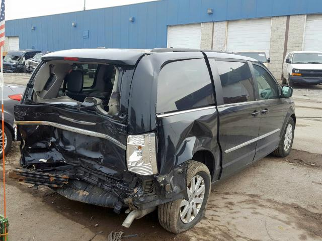 2013 CHRYSLER TOWN & COU - Right Rear View