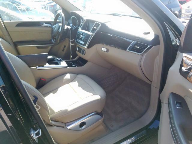 4JGDF7CE4DA186752 - 2013 Mercedes-Benz Gl 450 4Ma 4.6L close up View