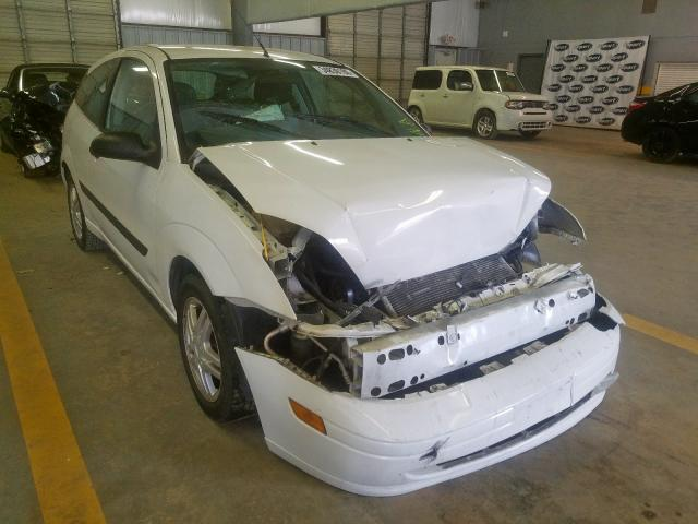 Ford Focus ZX3 salvage cars for sale: 2004 Ford Focus ZX3